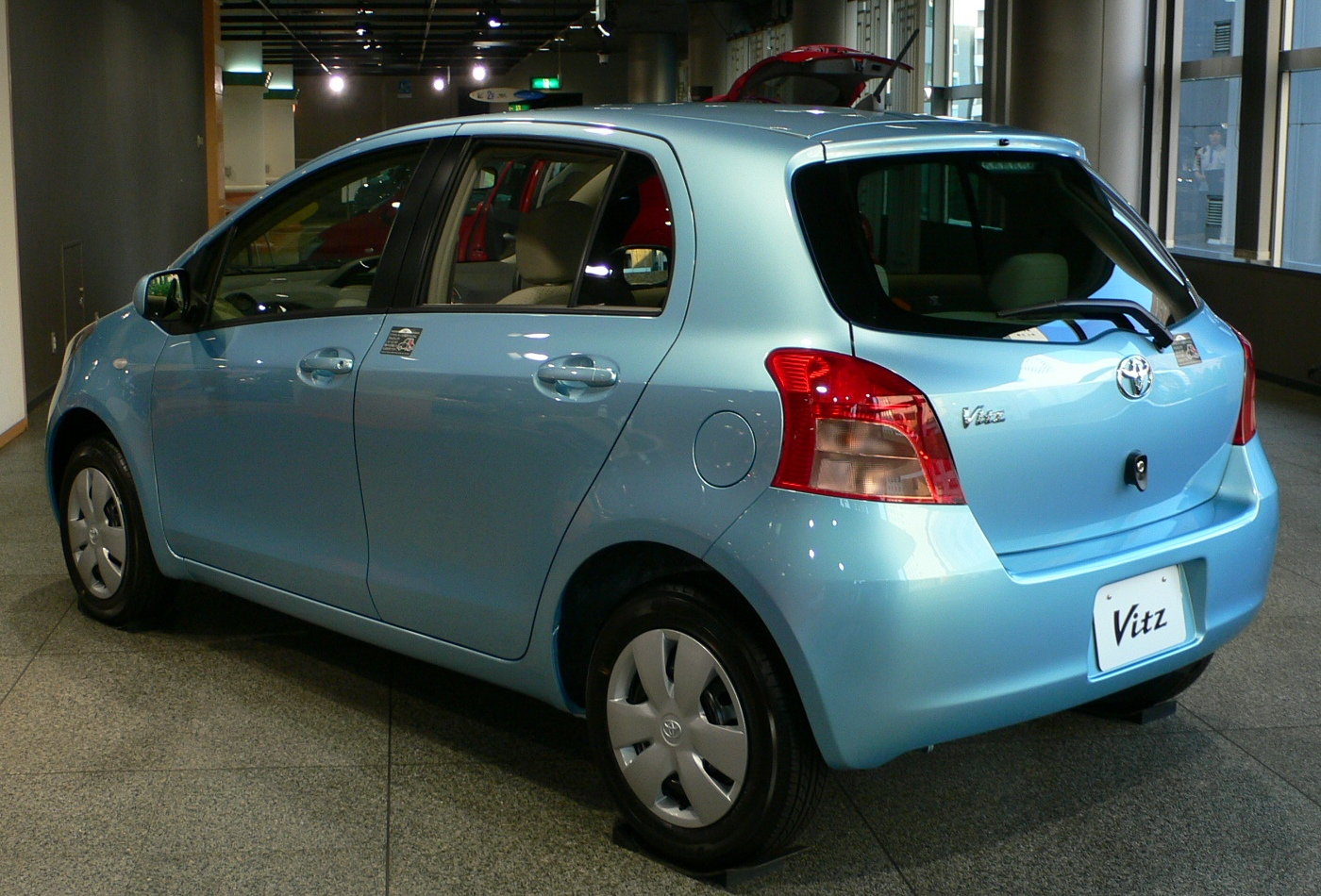 File 2005 Toyota Vitz 02 Jpg Wikimedia Commons