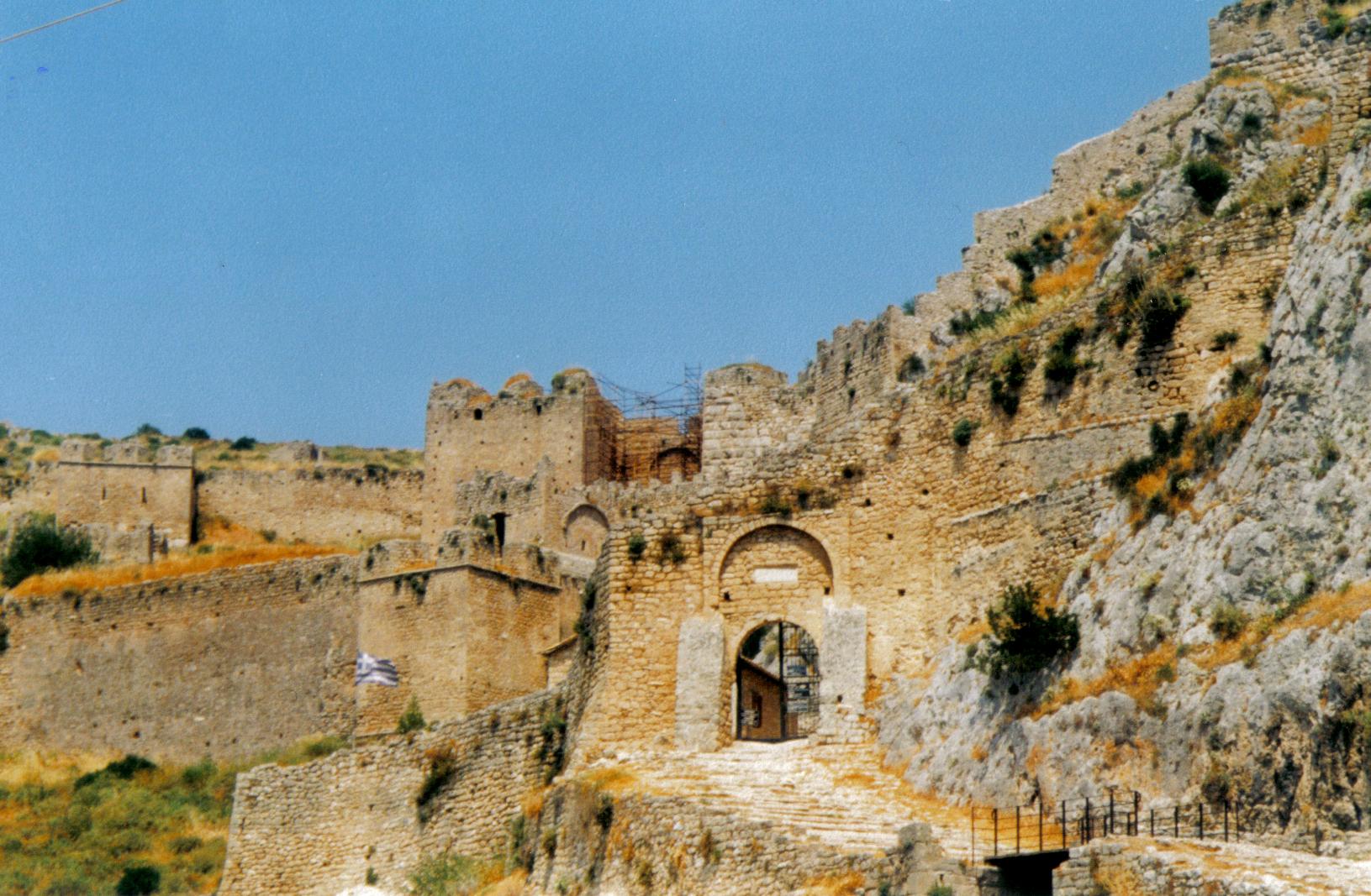 File:Acrocorinth Gateway.jpg - Wikimedia Commons
