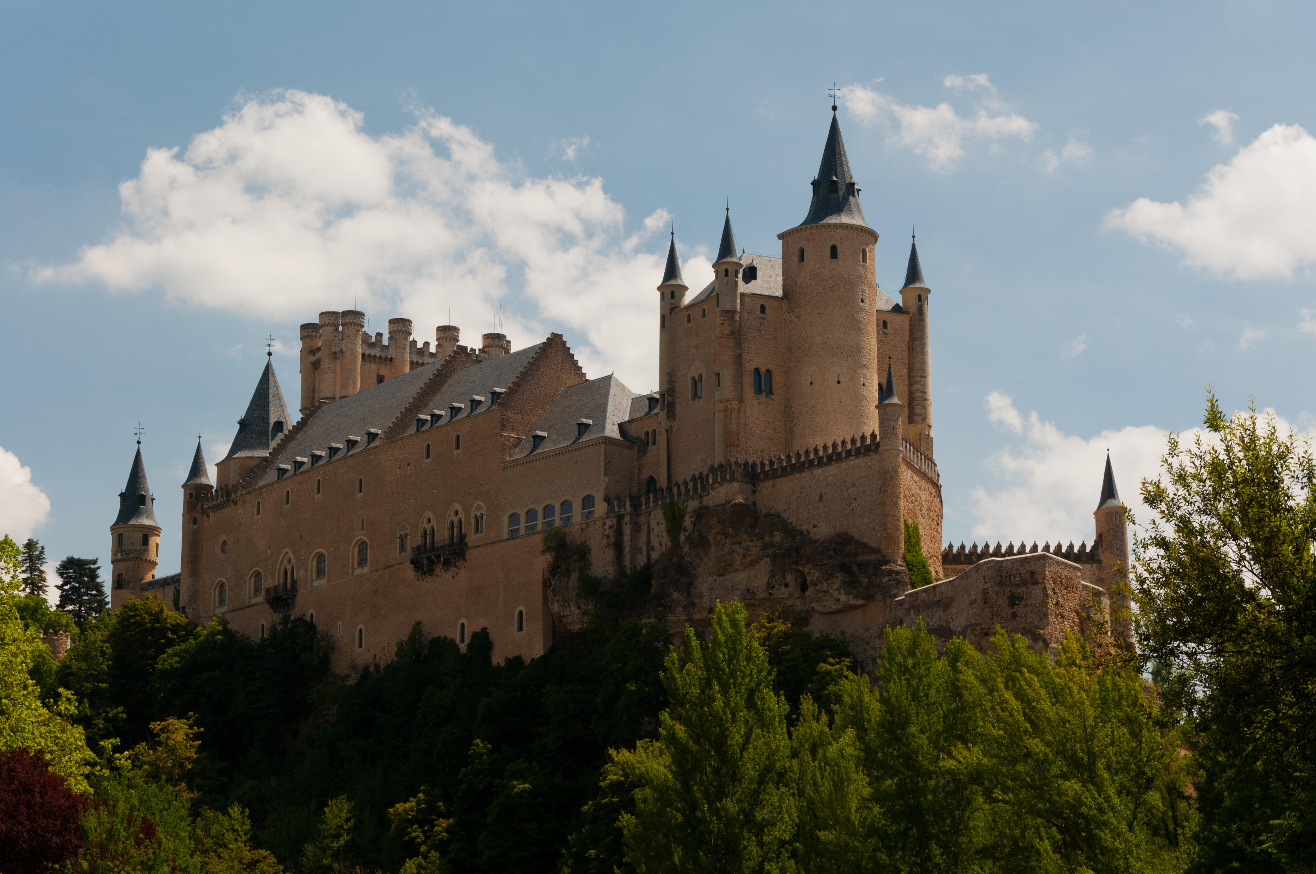 File:Alcázar de Segovia-9.jpg - Wikimedia Commons