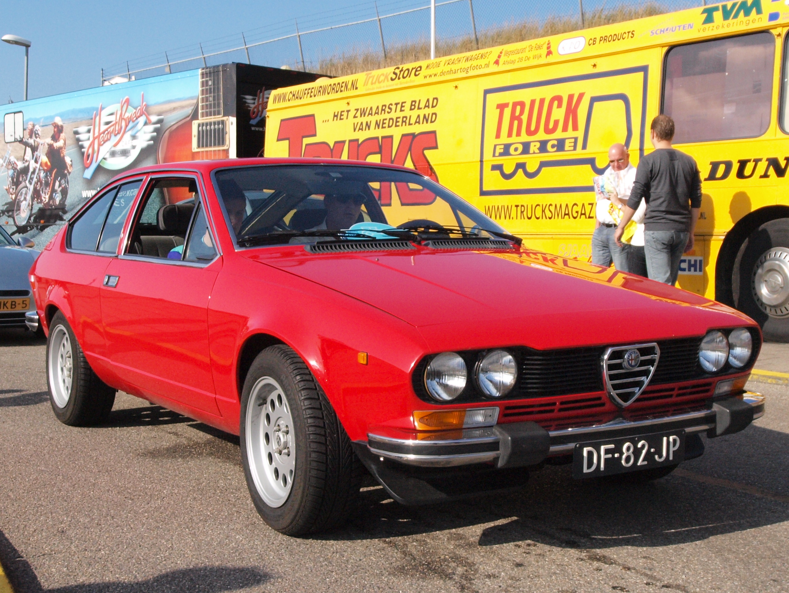 Ant Anstead likewise 5enstory further Alfa Romeo Alfetta Gt 1974 1980 Photo 03 further Images Alfa Romeo Giulia Super 1300 115 1974 1977 27461 as well Citroen Cx La Derniere Vraie Citroen. on 1974 alfa romeo
