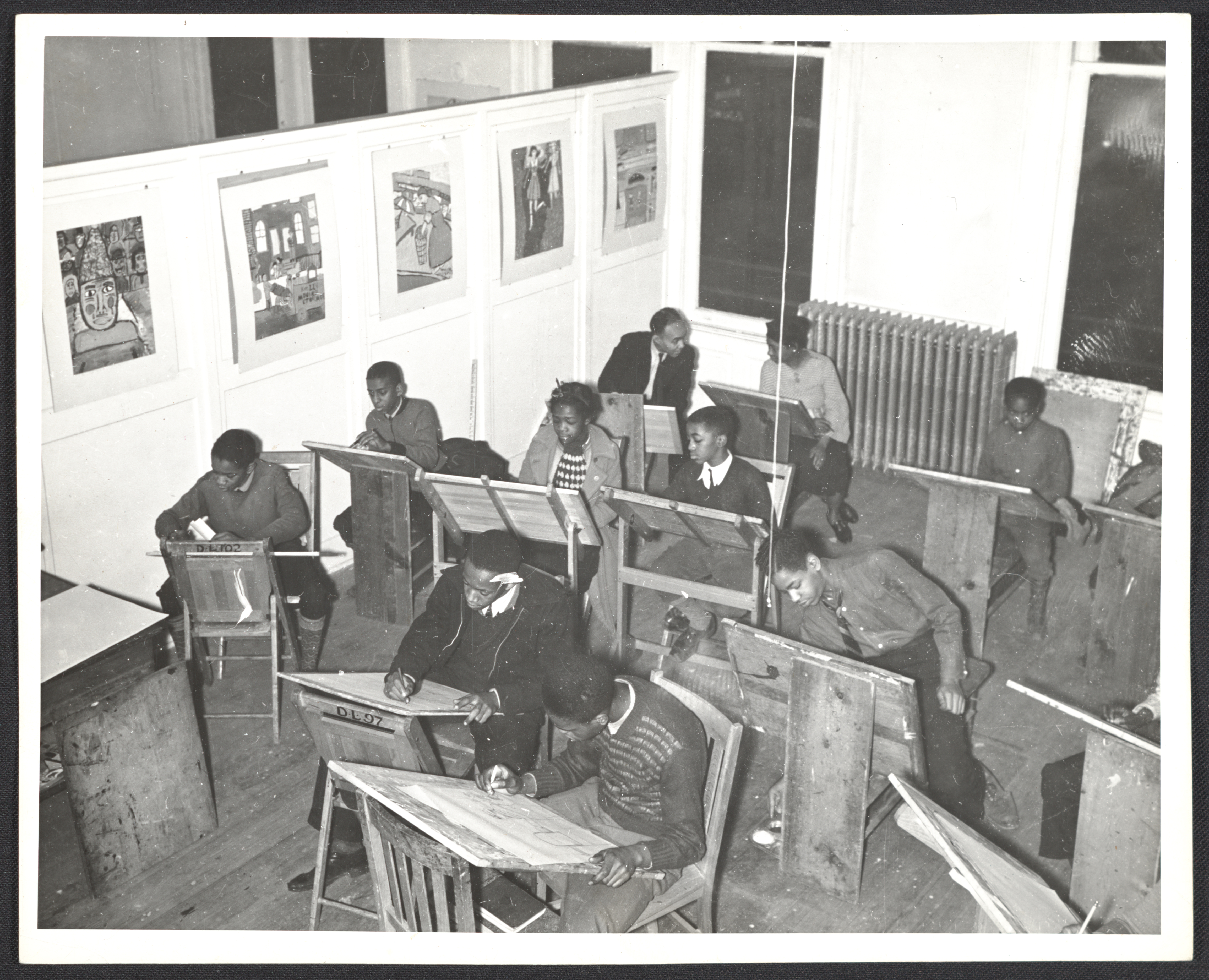 file archives of american art students in a free art class at the