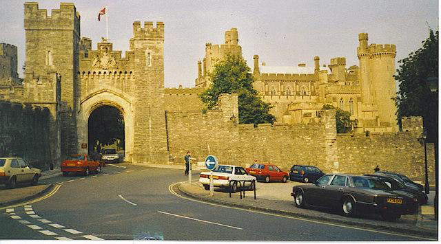Arundel Castle Gatehouse - geograph.org.uk - 254473
