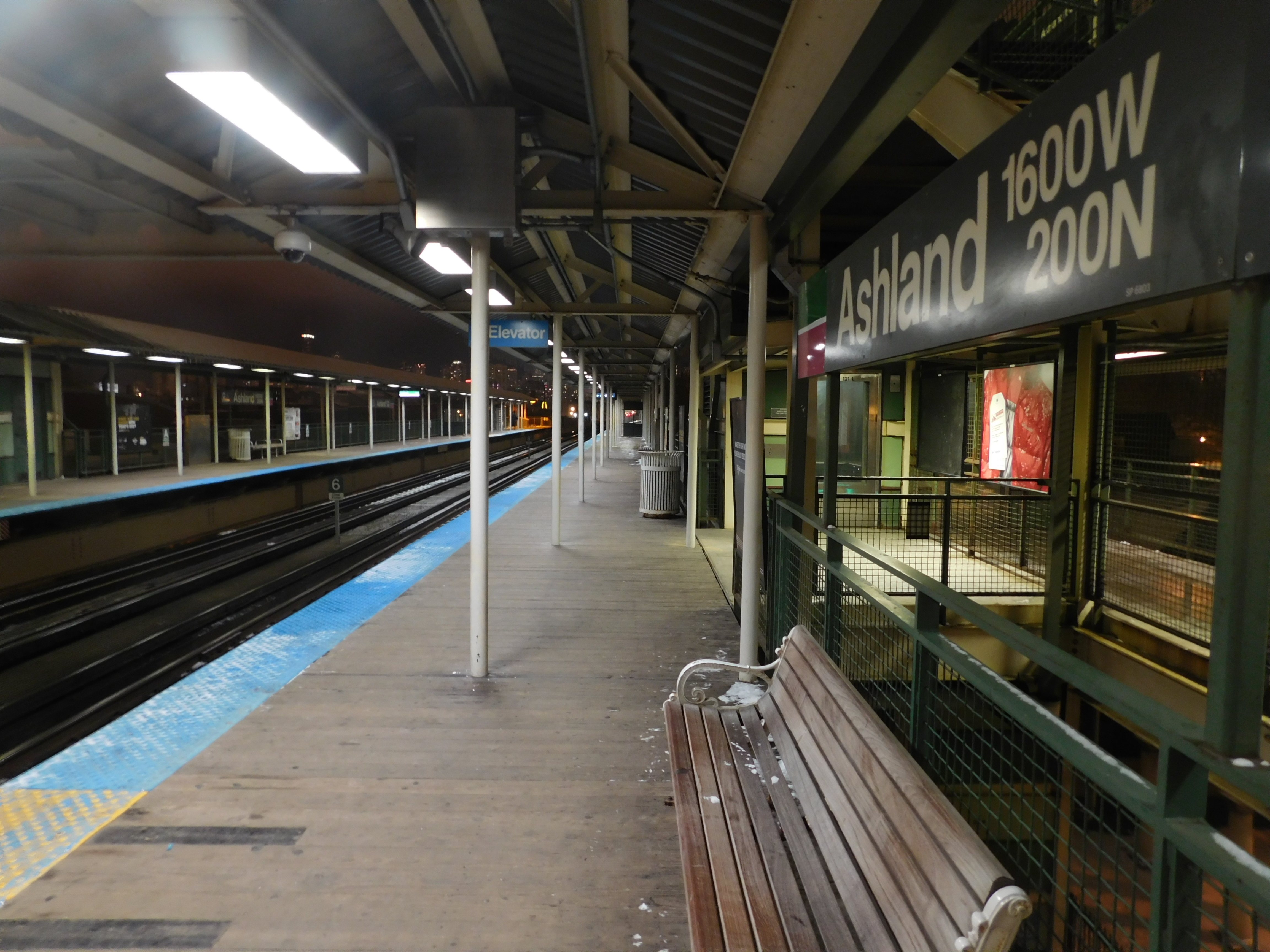 Ashland station (CTA Green and Pink Lines) - Wikipedia on nj transit bus map, chicago transit authority bus map, short line bus map, chicago bus system map, vta bus map, ripta bus map, westchester bus map, chicago public bus map, rta bus map, muni bus map, septa bus map, njt bus map, rtc bus map, boulder bus map, florence bus map, la metro bus map, cat bus map, jta bus map, trimet bus map, pace bus map,