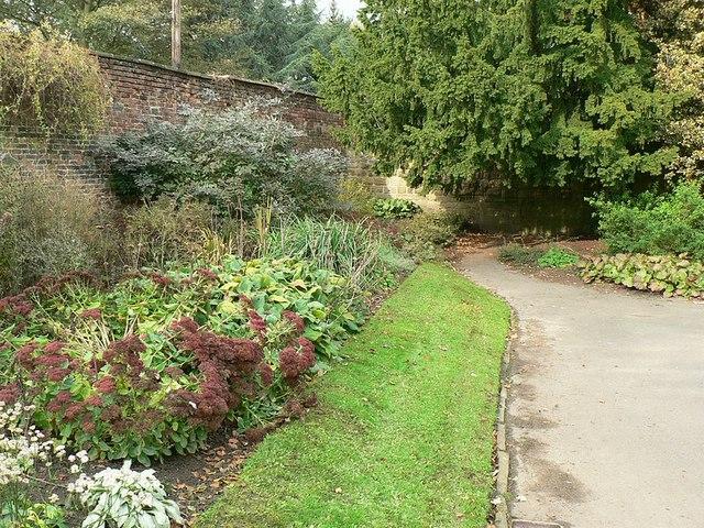 Autumnal flower bed, Horsforth Hall Park - geograph.org.uk - 272747