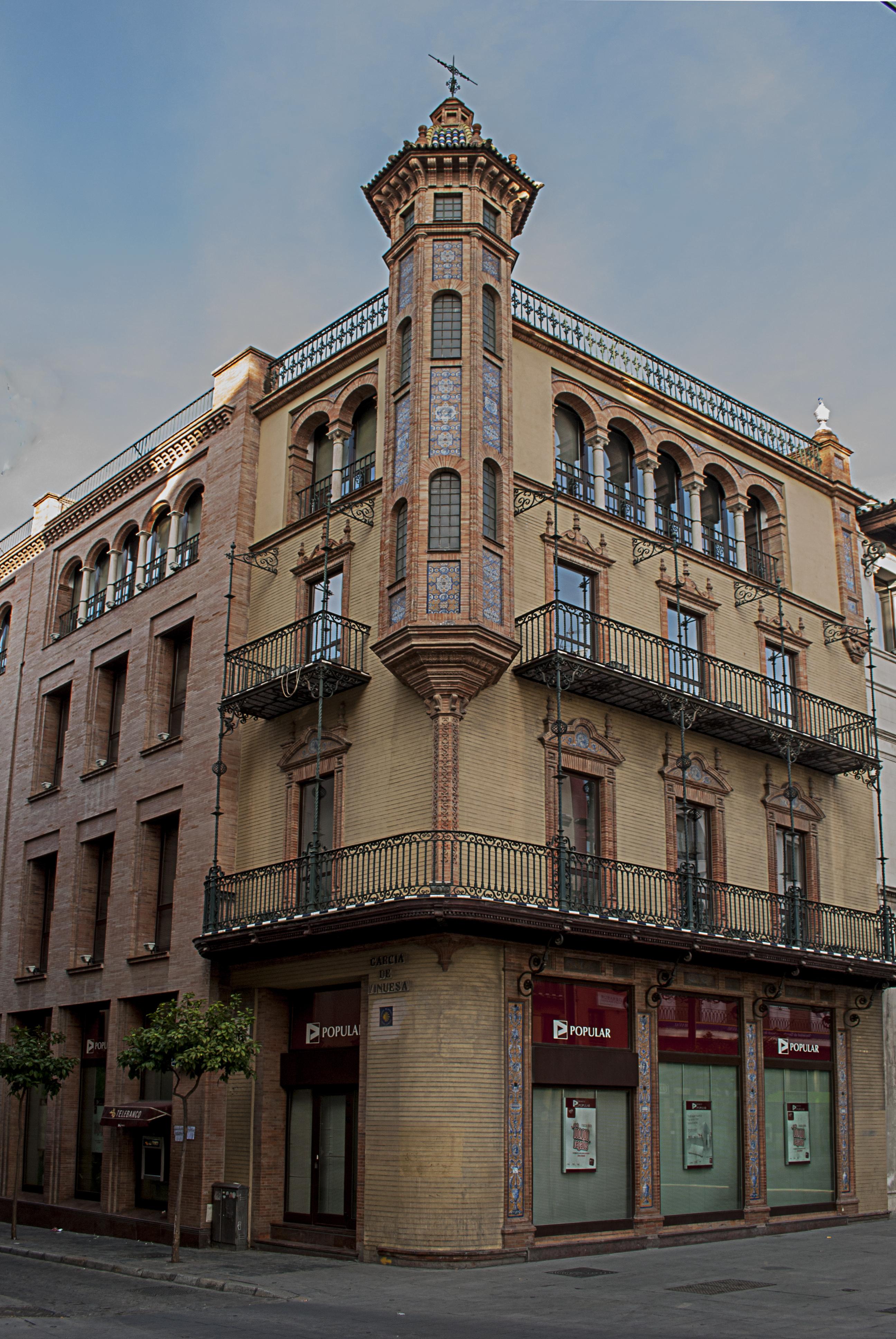 Casa Álvaro Dávila, avenida Constitución