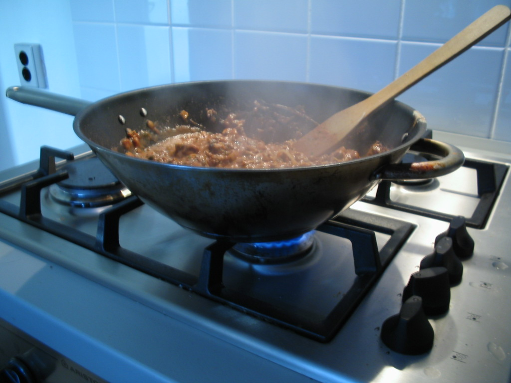 اطهو الطعام هادئة