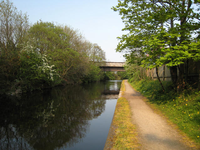 Birmingham and Fazeley Canal - geograph.org.uk - 415112