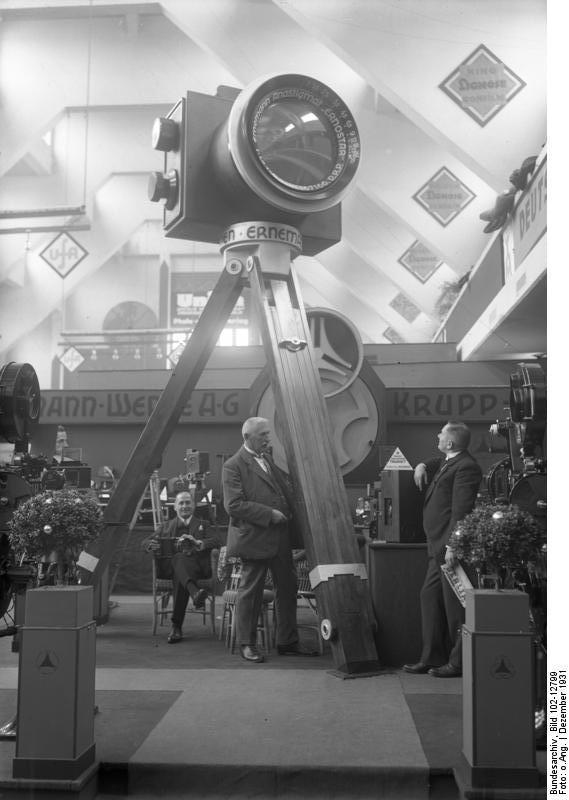 Bundesarchiv_Bild_102-12799,_Fachausstel