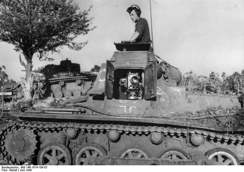 A cameraman of a Wermacht Propagandakompanie in a Panzer I