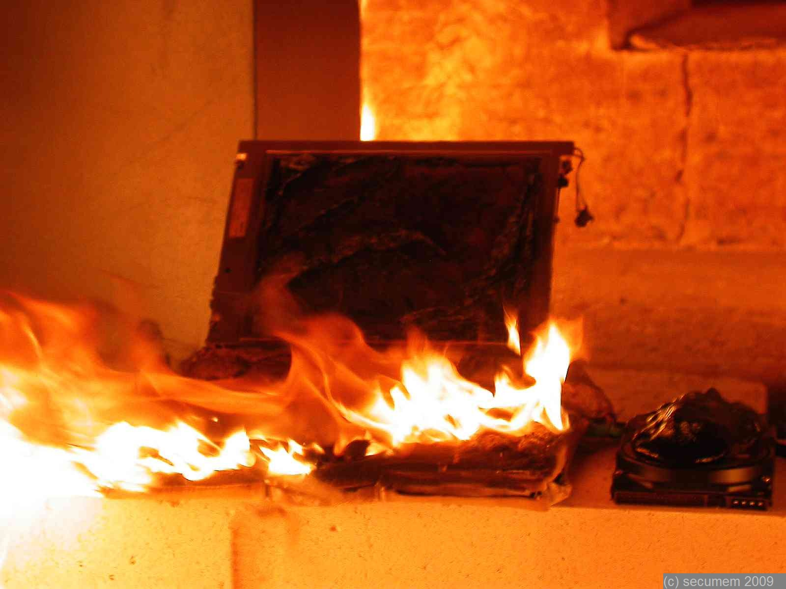 File Burned Laptop Secumem 11 Jpg Wikimedia Commons