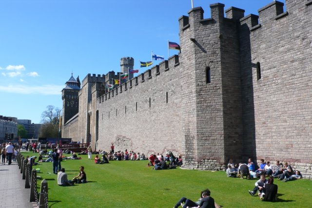 Cardiff Castle Geograph Org Uk 1247290