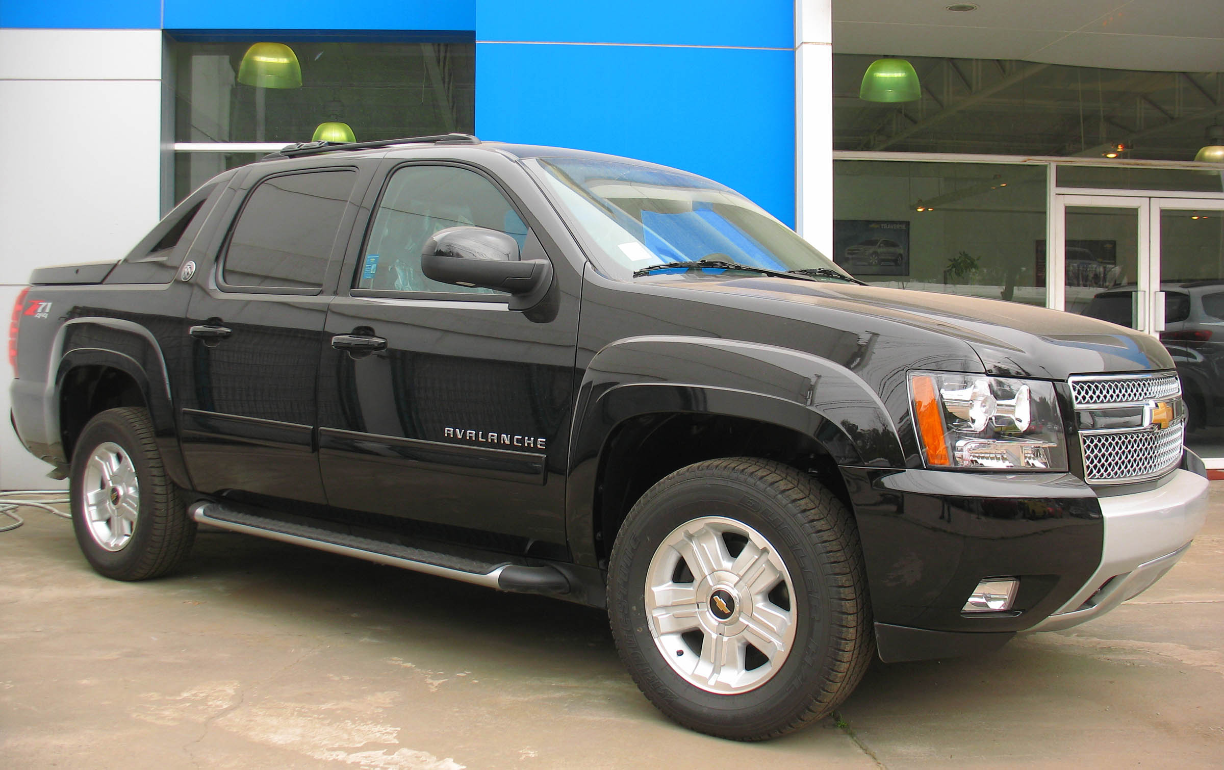 Description Chevrolet Avalanche Z71 Black Diamond Last Edition 2013
