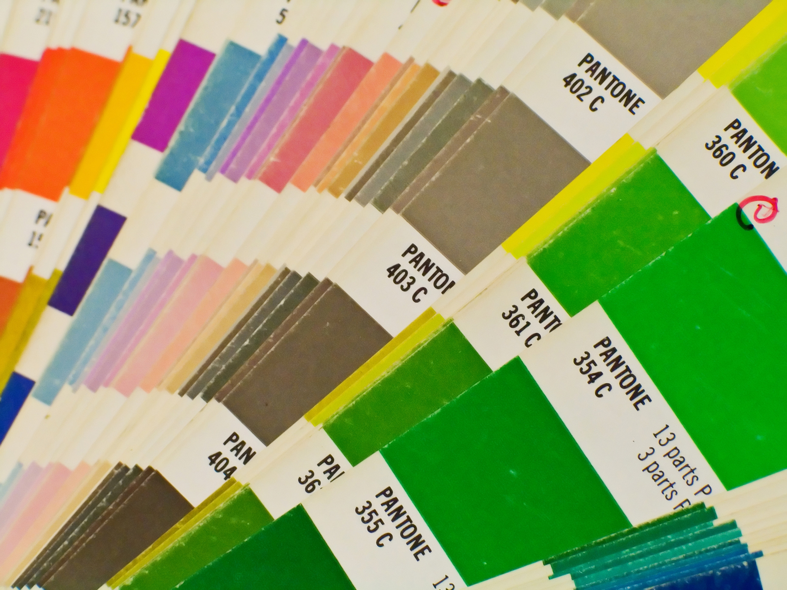 how to find the pantone number in illustrator