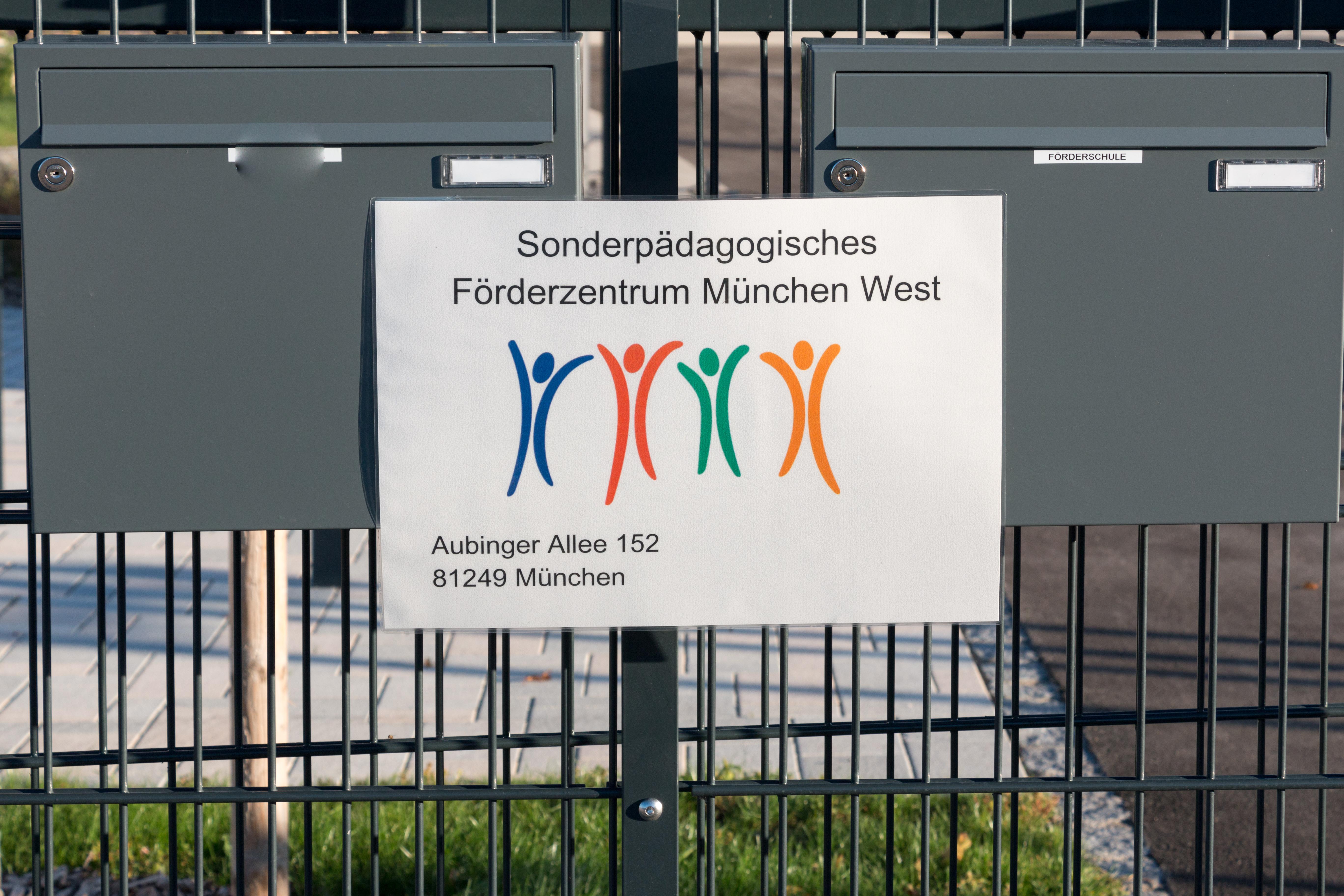 81249 münchen aubing