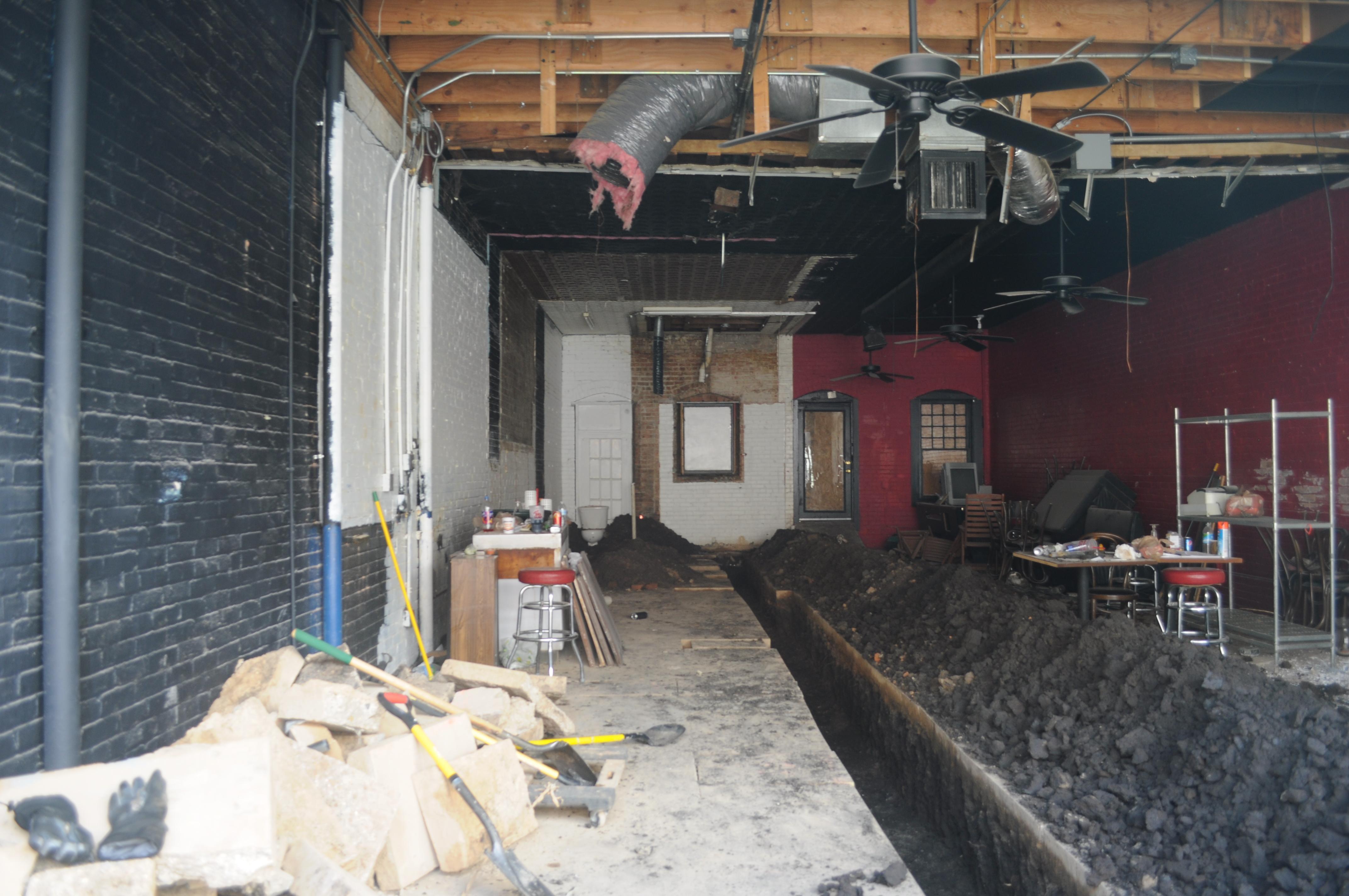 undergoing major renovation.jpg English: Interior of a building on Elm Street, Deep Ellum, Dallas, Texas, U.S.A. undergoing major renovation. Date 3 February