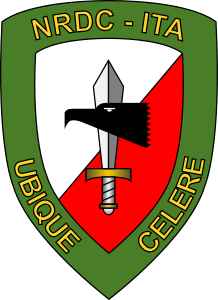 Distintivo del NATO Rapid Deployable Corps – Italy.png