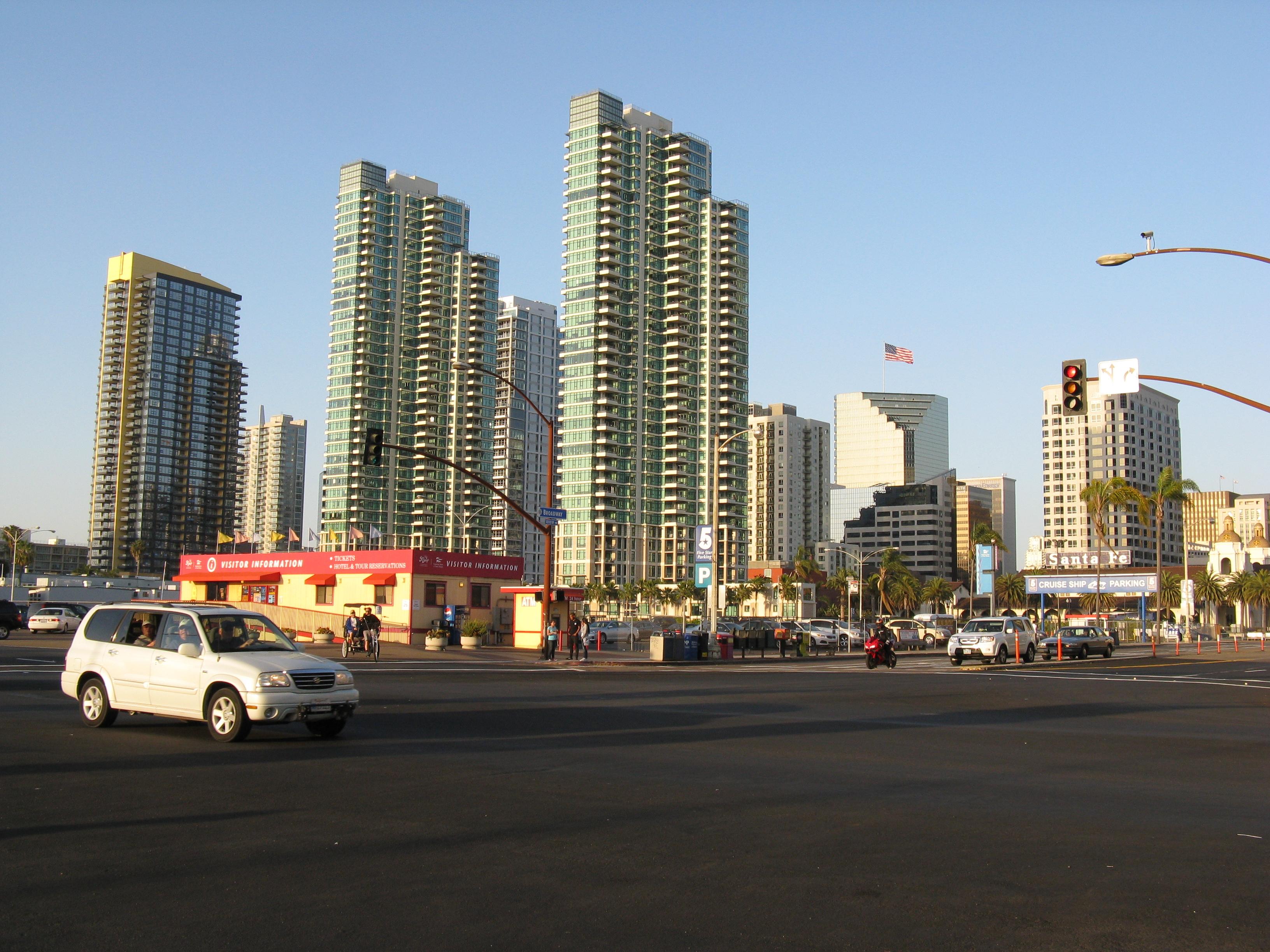 File:Downtown San Diego - panoramio.jpg - Wikimedia Commons