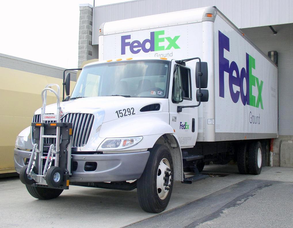 File:FedEx Ground delivery truck Navistar.jpg - Wikimedia Commons