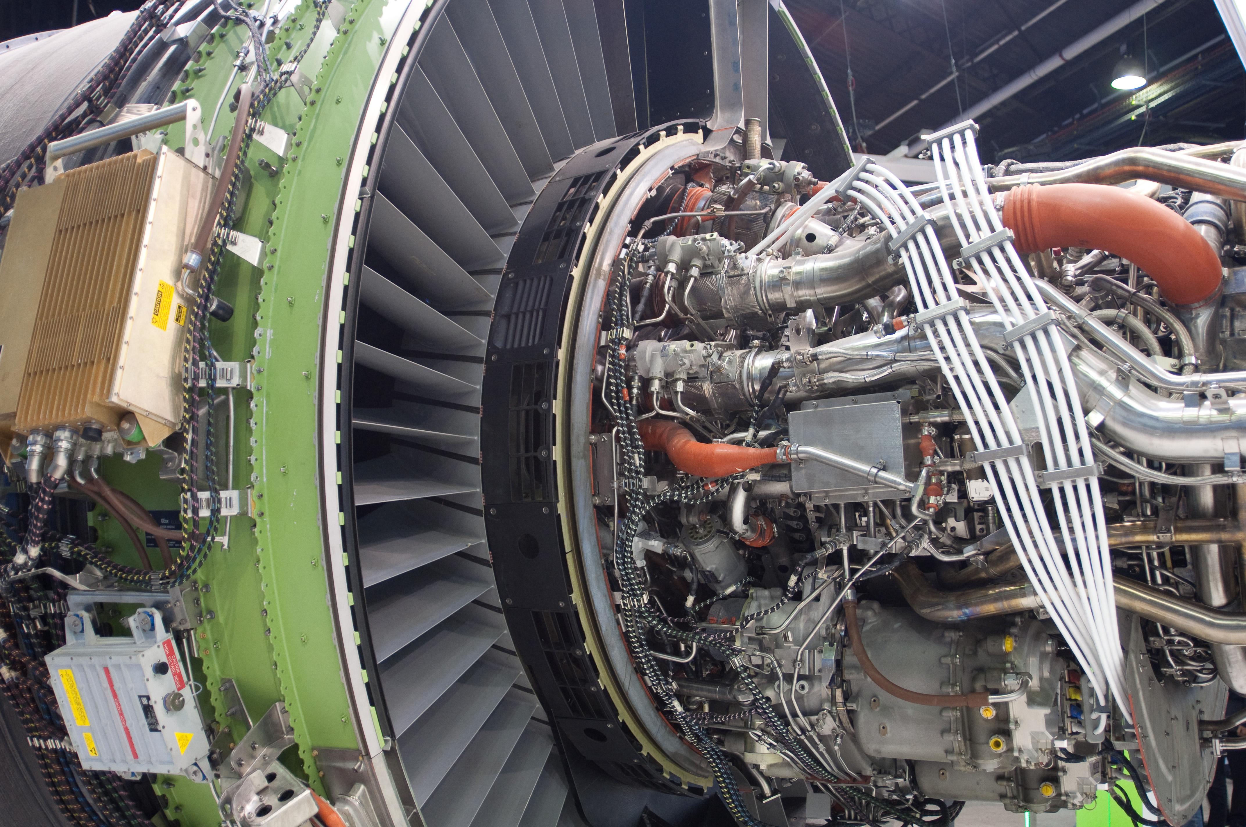 File Genx Jet Engine Le Bourget 20110624 Jpg Wikimedia