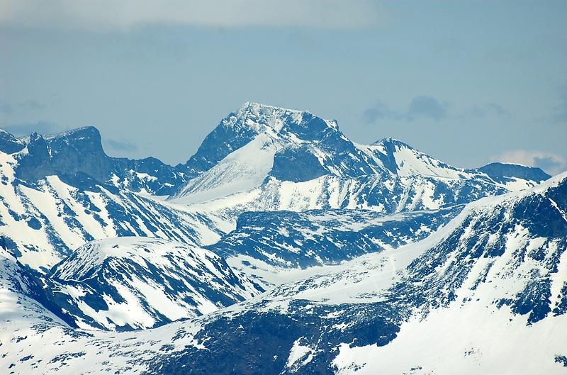 Galdhøpiggen, gunung tertinggi di Norwegia dan Eropa Utara, pada 2.469 m