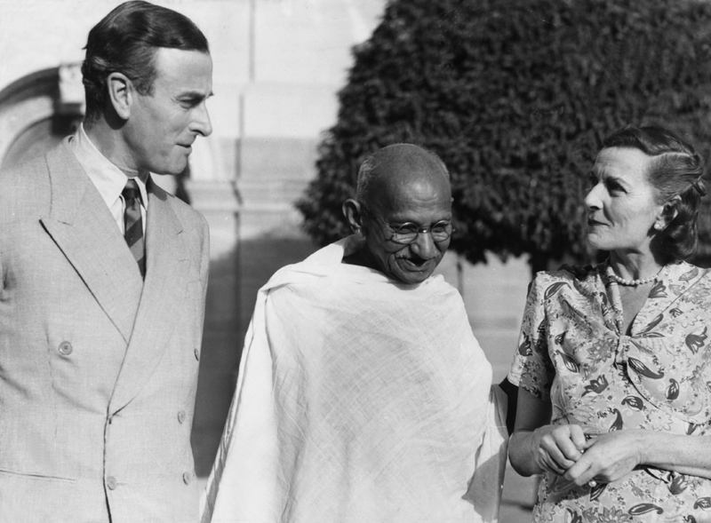 File:Gandhi with Lord and Lady Mountbatten.jpg