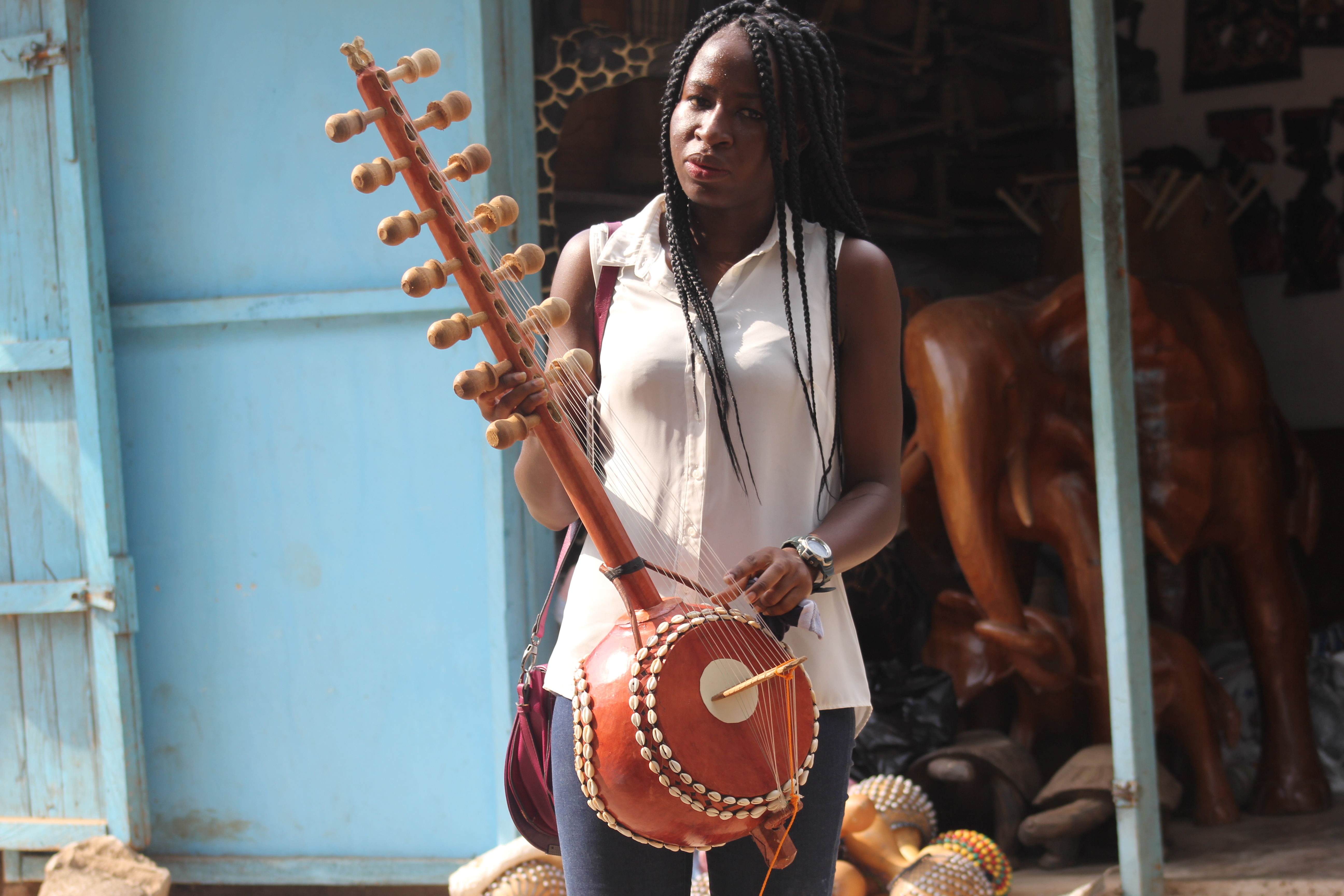 File:Ghana traditional guitar jpg - Wikimedia Commons