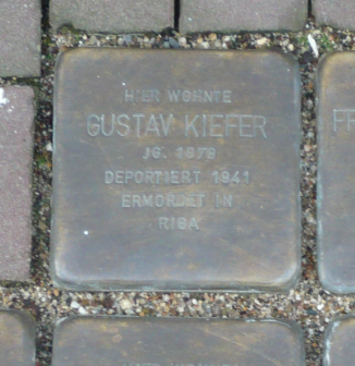 Gustav Kiefer Stolperstein Osterath.PNG