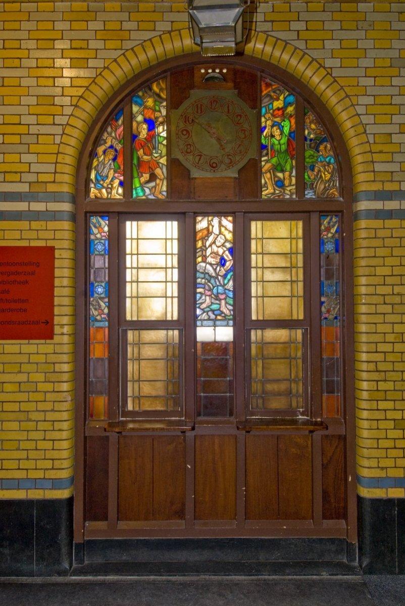 Glas In Lood Amsterdam.File Interieur Glas In Lood Pui In De Trappenhal