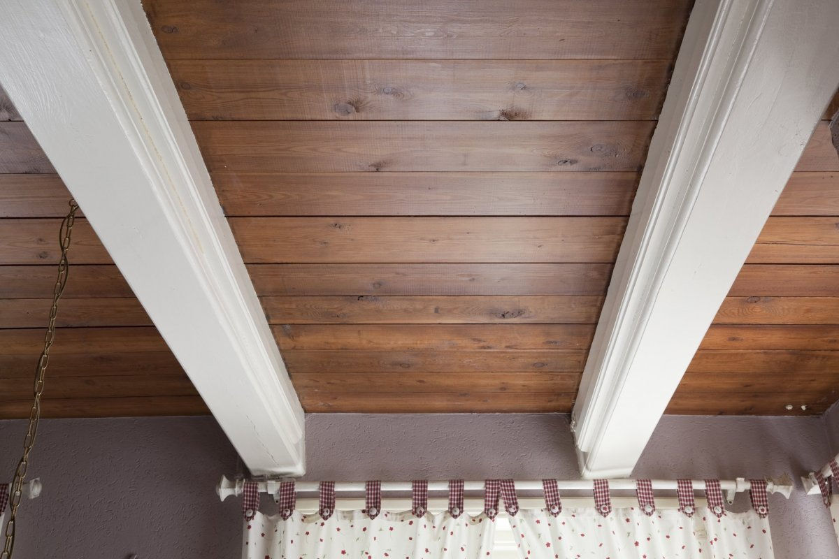 File Interieur keuken, balkenplafond waar haken aan kunnen   Midwolda   20530138   RCE jpg