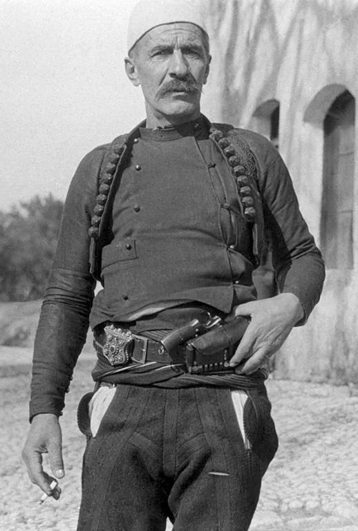 Isa Boletini - Wikipedia