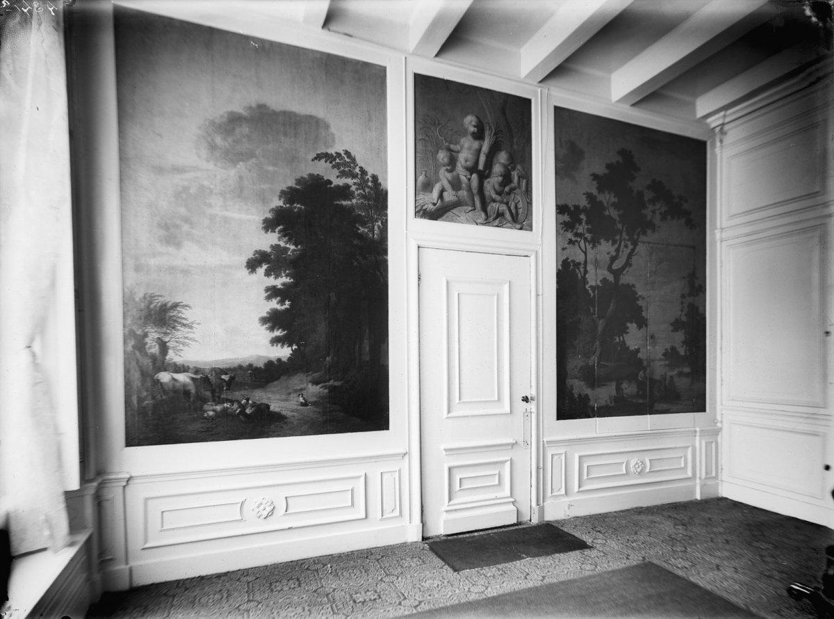 Bestand:Kamer interieur met schilderijen - Harlingen - 20102107 ...