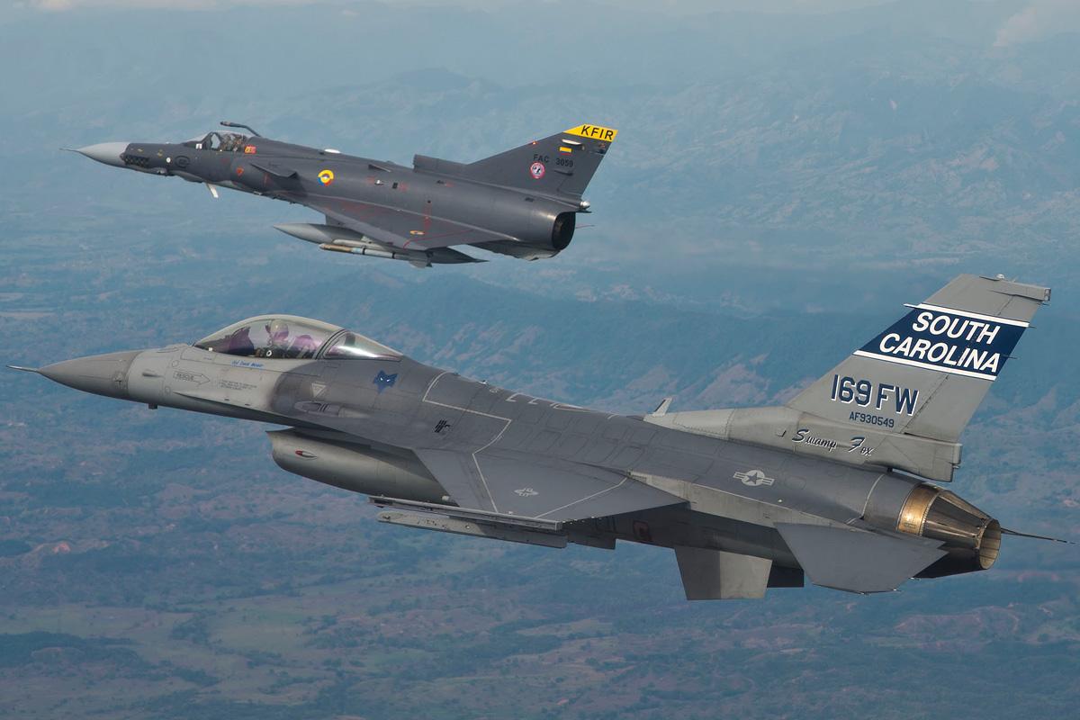 File Kfir vs F-1...F 16 Colombie