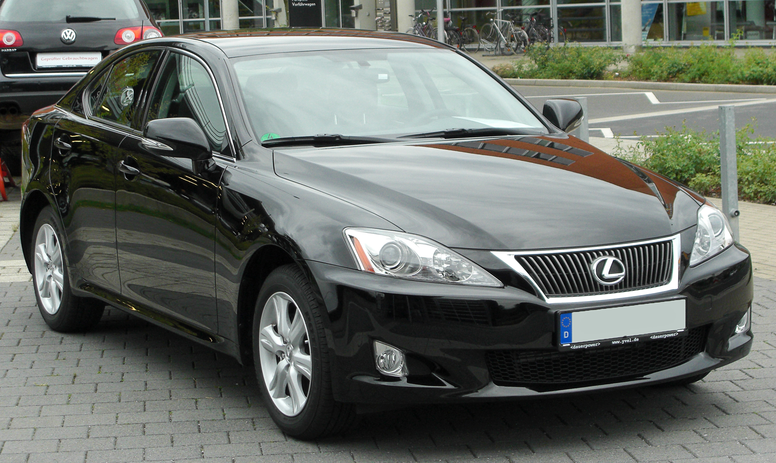 file lexus is 220d xe2 facelift front wikimedia commons. Black Bedroom Furniture Sets. Home Design Ideas