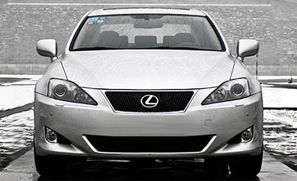 Отличился Lexus модели которого подешевели на 6,3