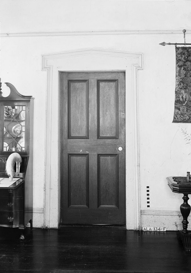 File:McWilliams-Cook House Living Room Door.jpg - Wikimedia Commons