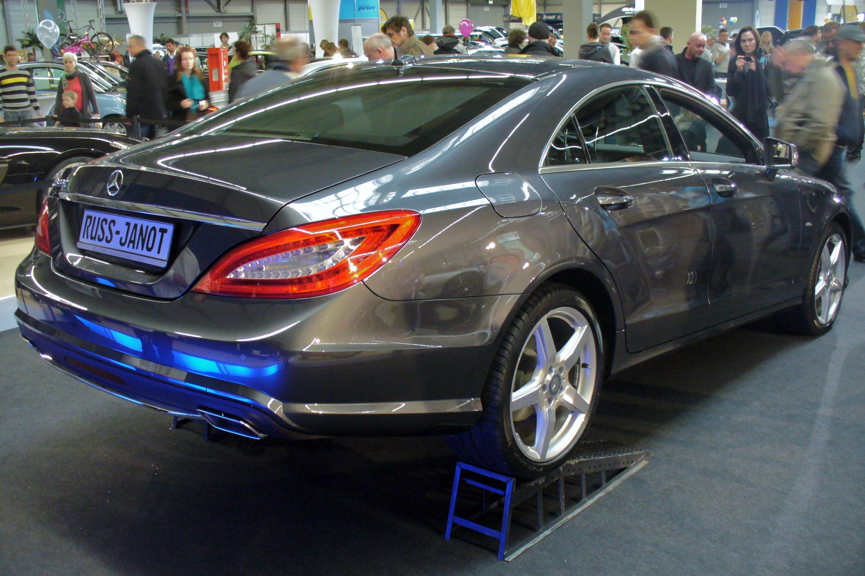 Description Mercedes-Benz C218 CLS 350 Heck.JPG