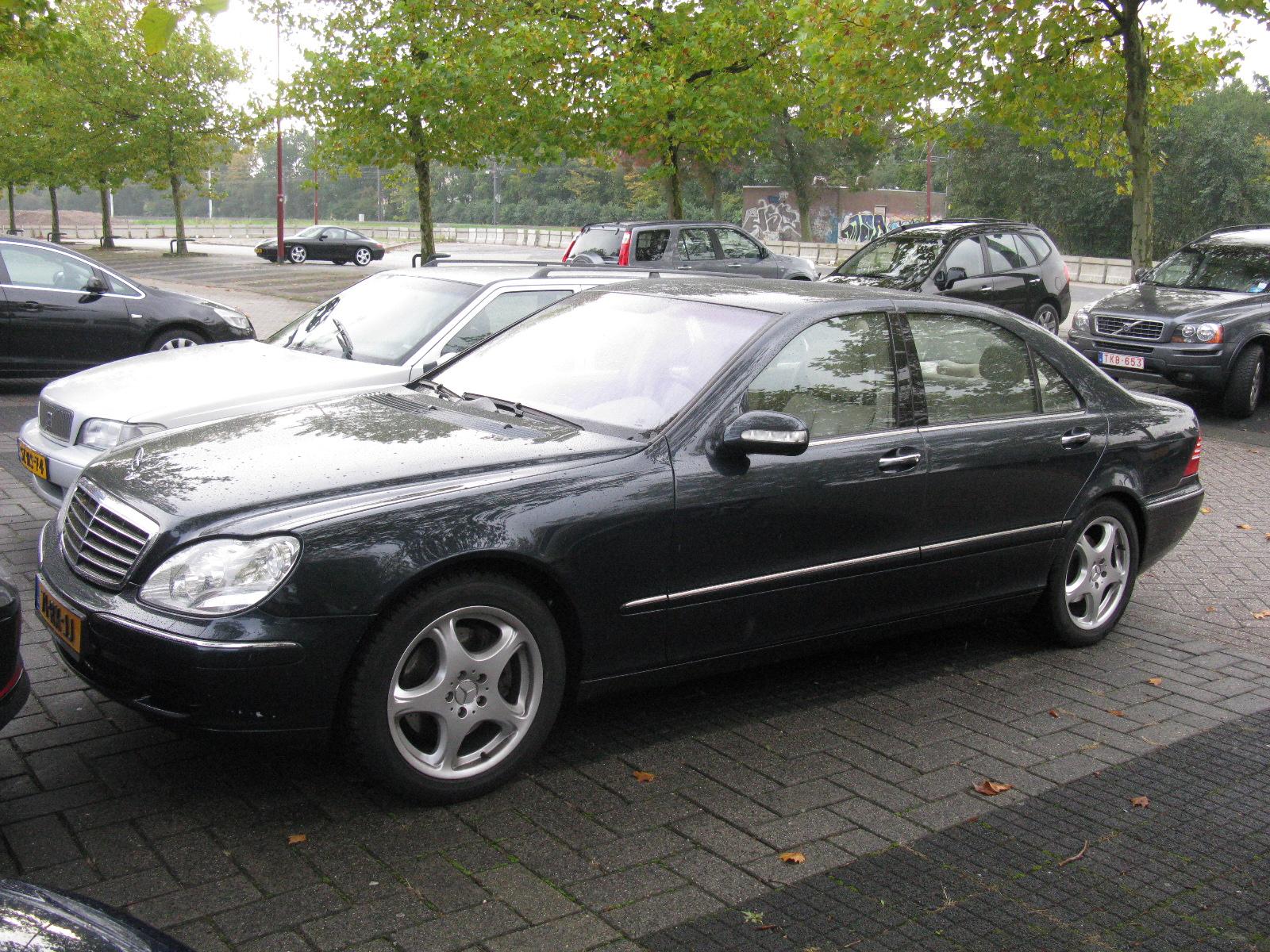 File:Mercedes-Benz S500 4 Matic W220 (8120469544) jpg