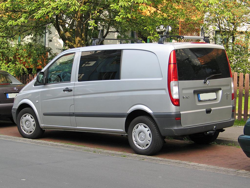 Mercedes Sprinter Wiki >> File:Mercedes vito 2 h sst.jpg - Wikimedia Commons