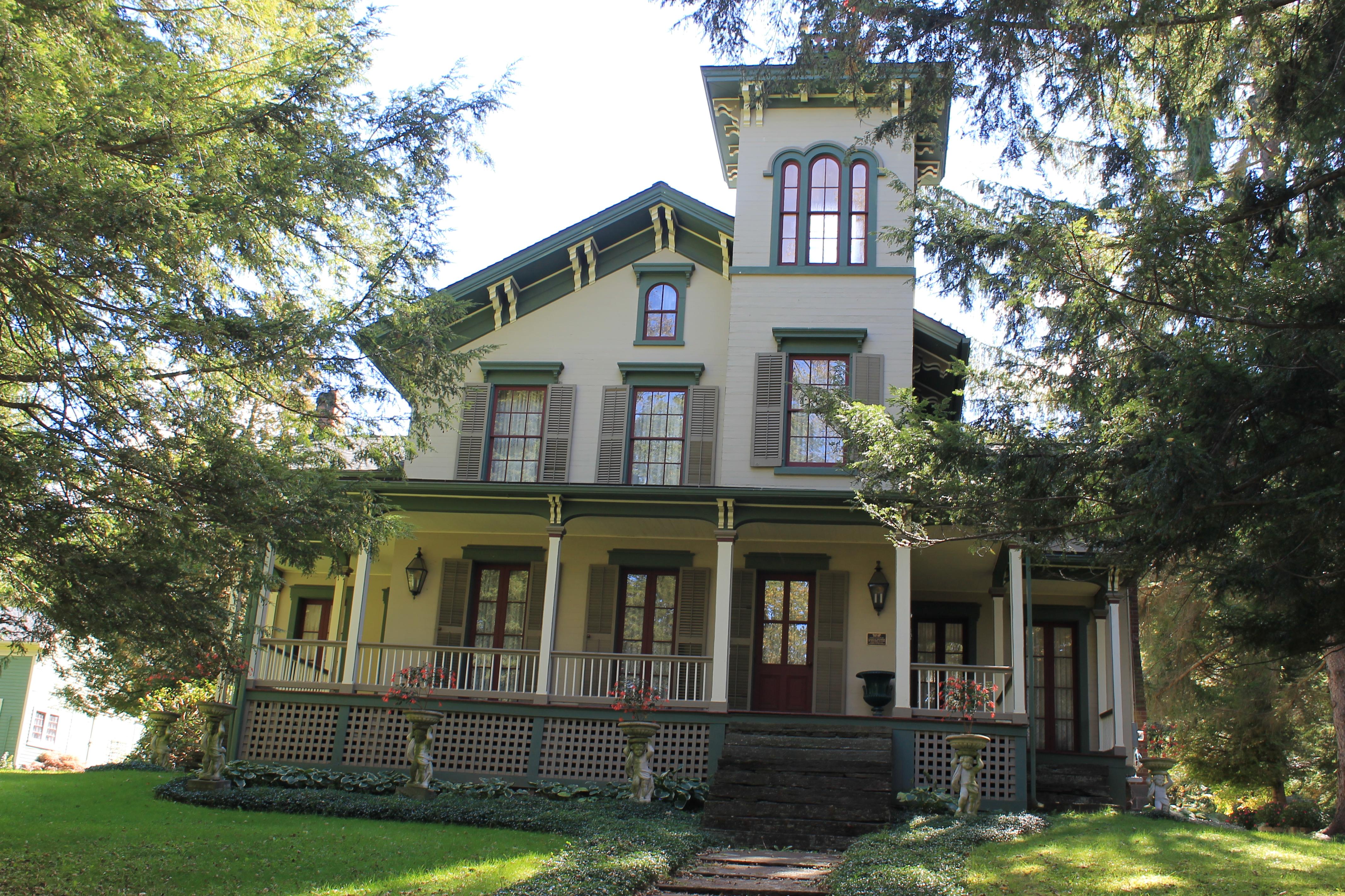 Gorgeous Homes On Whitby Island Wa