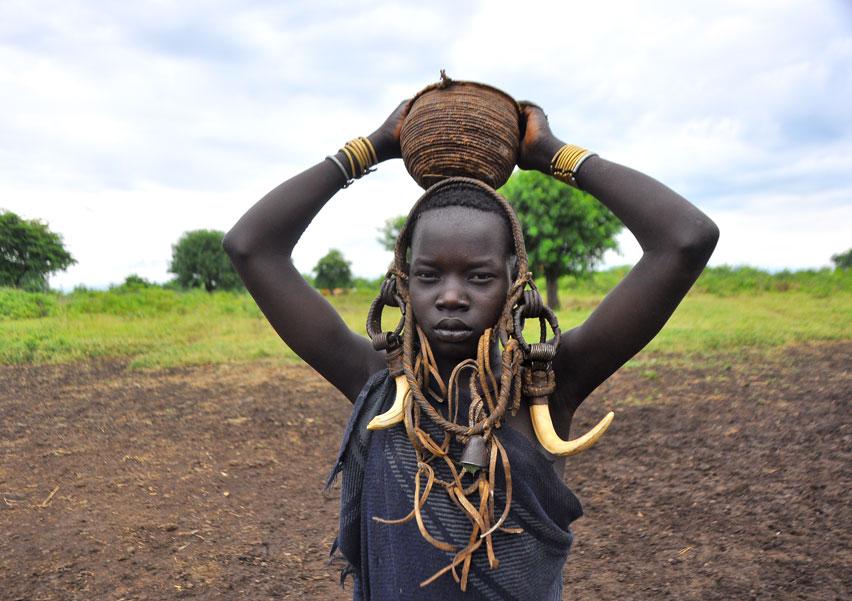 file mursi tribe 7999618603     wikimedia commons