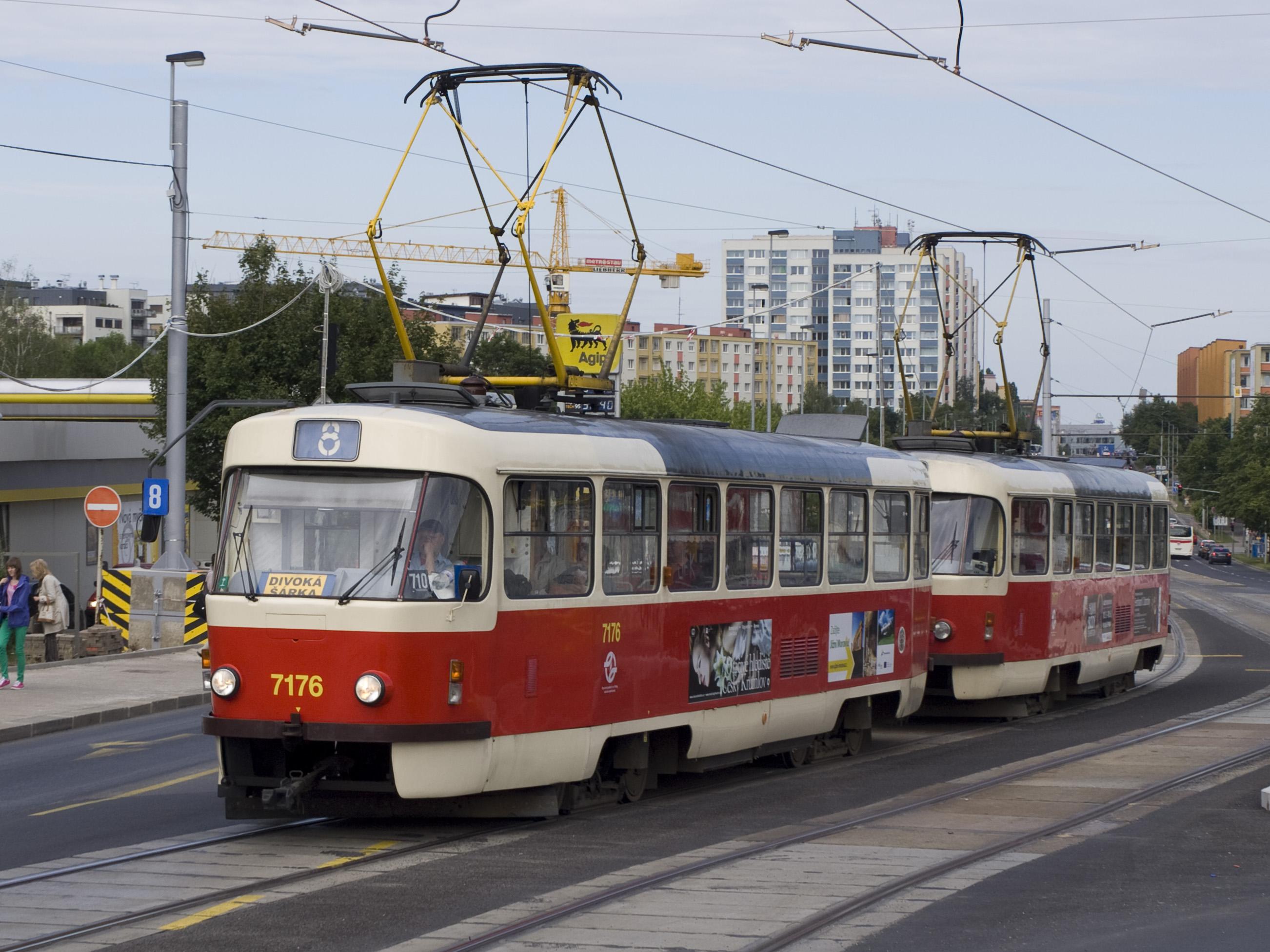 File:Nádraží Veleslavín, 7176.jpg