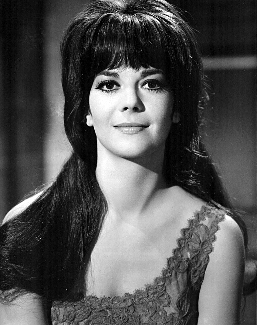 File Natalie Wood 1966 Jpg Wikimedia Commons