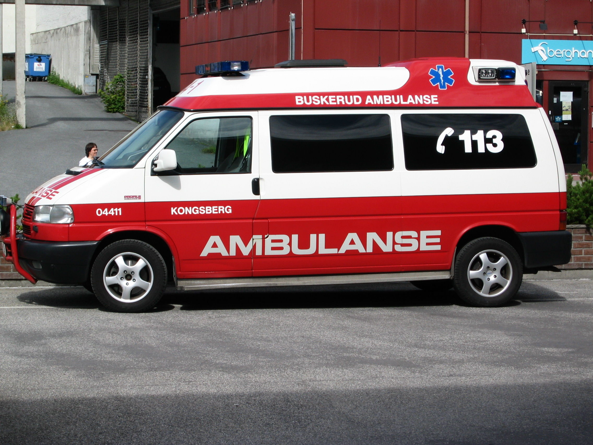Ambulance Images file:norwegian volkswagen ambulance - wikimedia commons