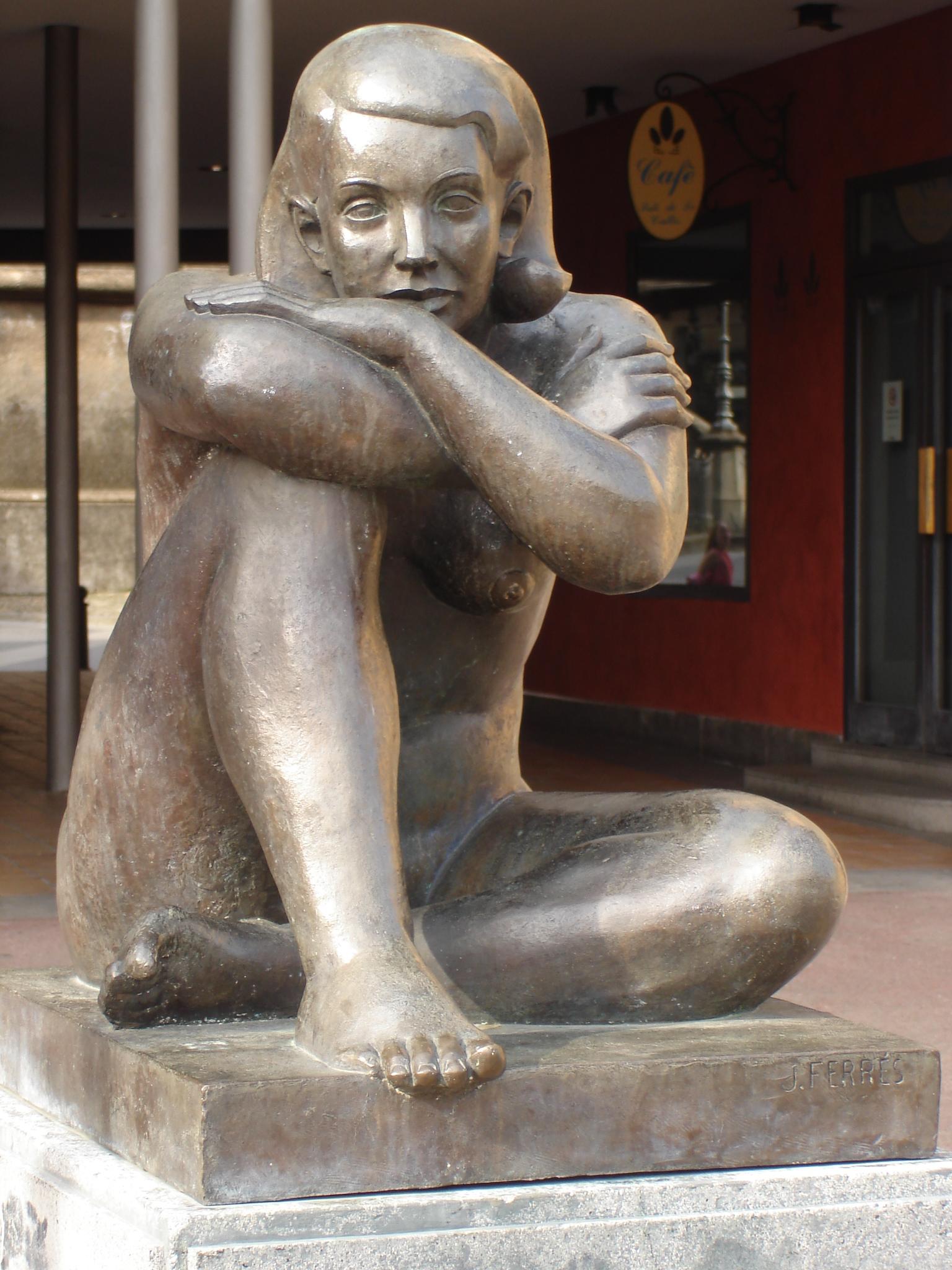 Vajarstvo-skulpture - Page 6 Olot_Sculpture_Placida