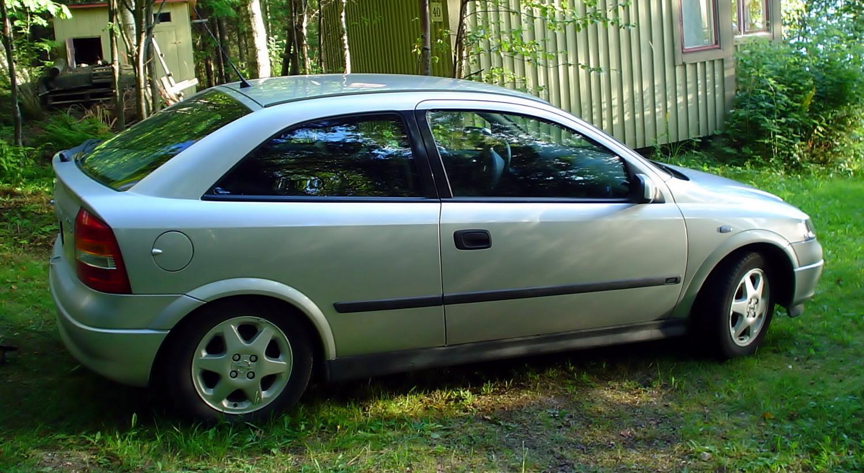 Opel astra 1 6 sport informatie