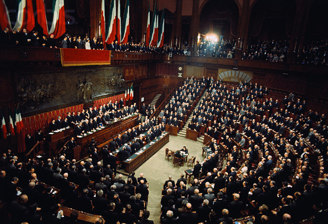 Parlamento wikiversit for Camere parlamento