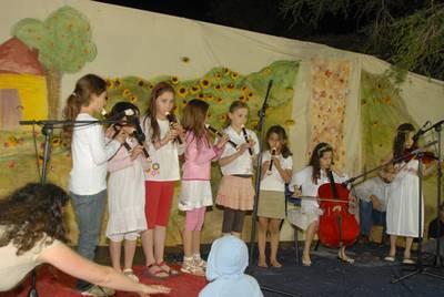 PikiWiki Israel 3708 Band kids at Shavuot 2009