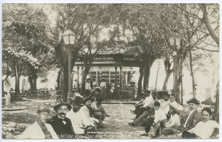 File:Plaza in Vera Cruz, 1904.jpg