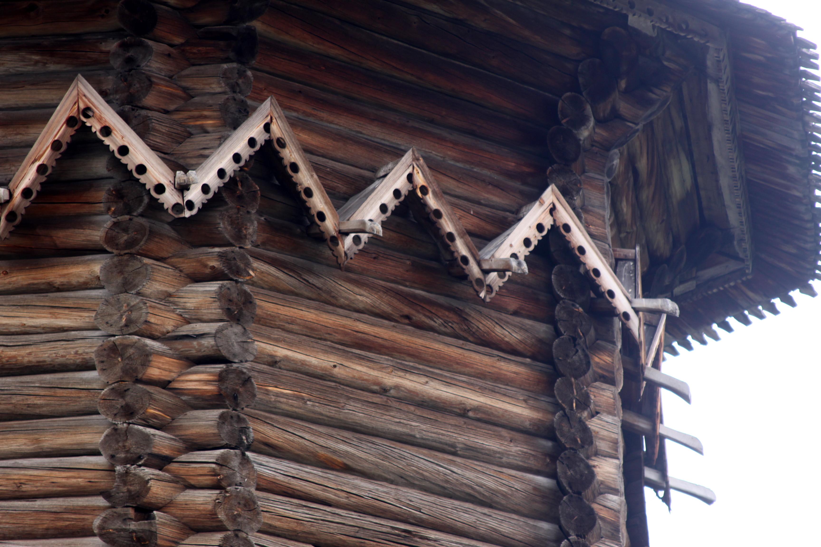Poval Kizhi Pokrovskaya Church.jpg