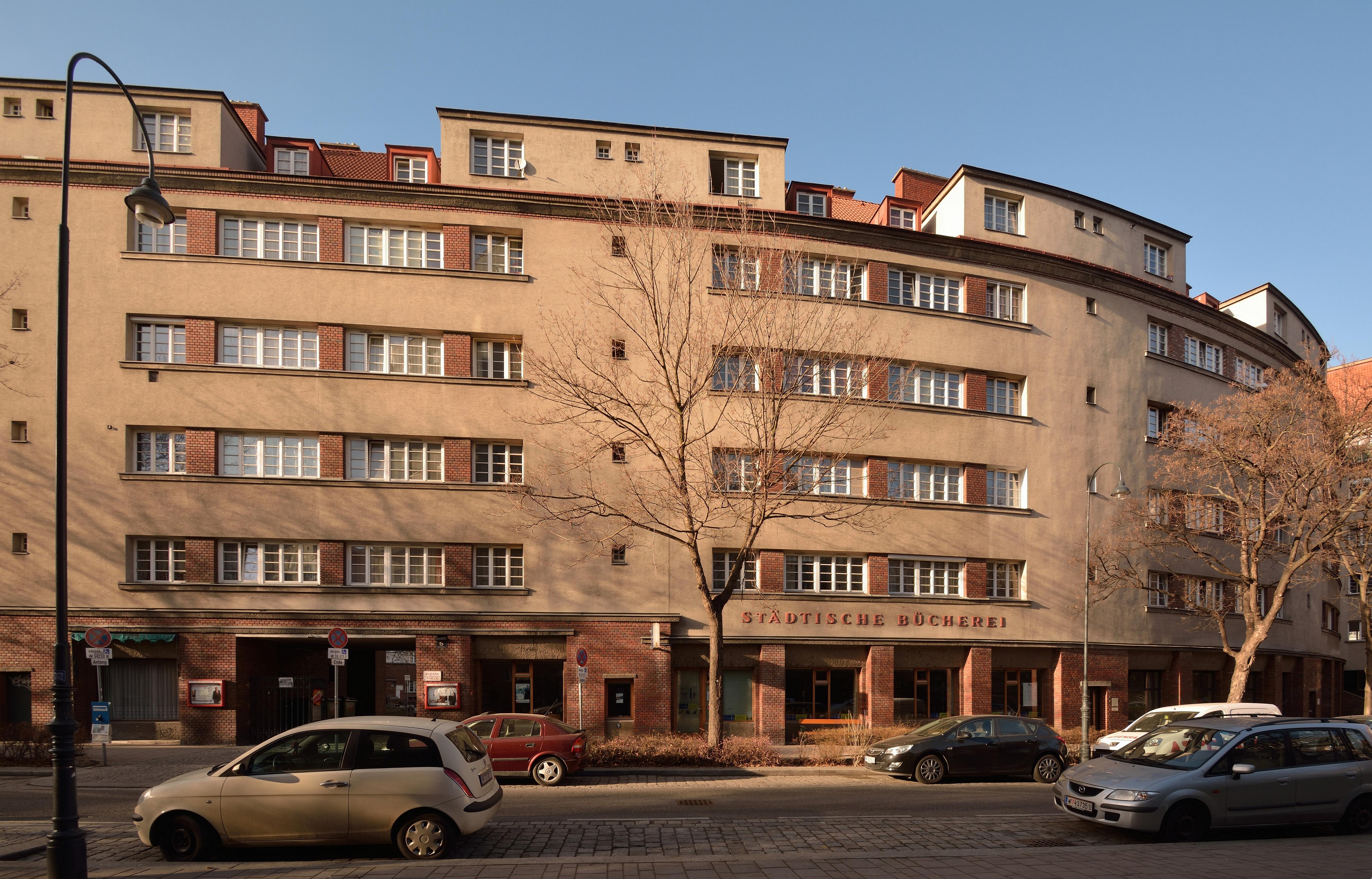 File:Rabenhof Zweigstelle Buecherei Wien DSC 7256w.jpg - Wikimedia ...